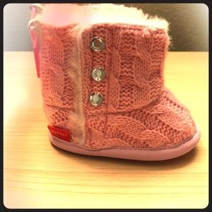 🎀 NWT Adorable baby girl boots 🎀